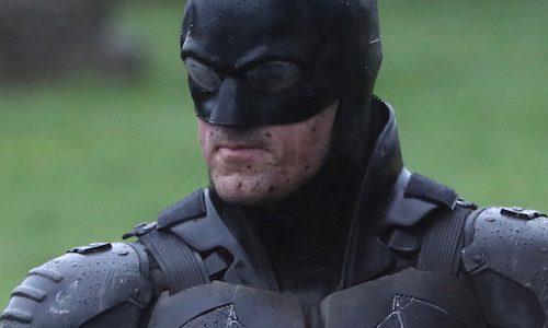 Детальный взгляд на костюм Бэтмена Роберта Паттинсона