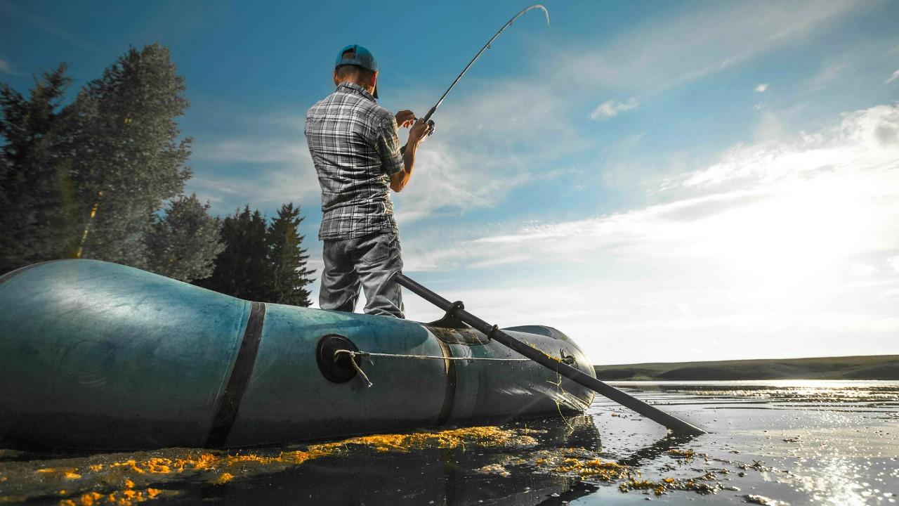 Что дарить дяде в Новый год? И дядя рыбак и любит путешествовать.
