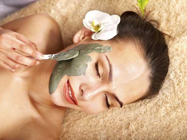 Секрет нежной кожи: увлажняющие маски для лица